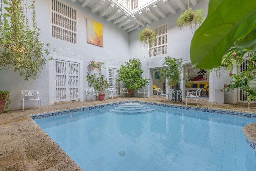 Amazing 8 Bedroom Mansion Old City Huge Pool Bachelor