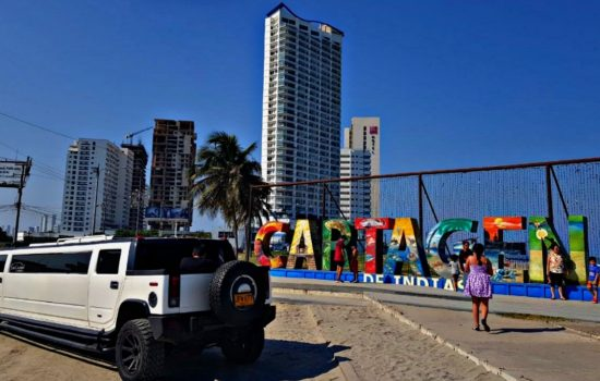 Limo Rent Service Cartagena Colombia