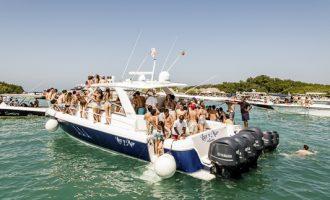 Playa-Cholon-Isla-Baru-Tour-Cartagena-Colombia-17